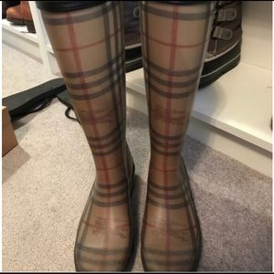 Burberry classic print rain boots